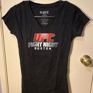 UFC fight night Boston v-neck size M